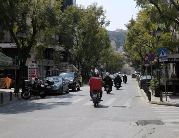motosikletes stin athina