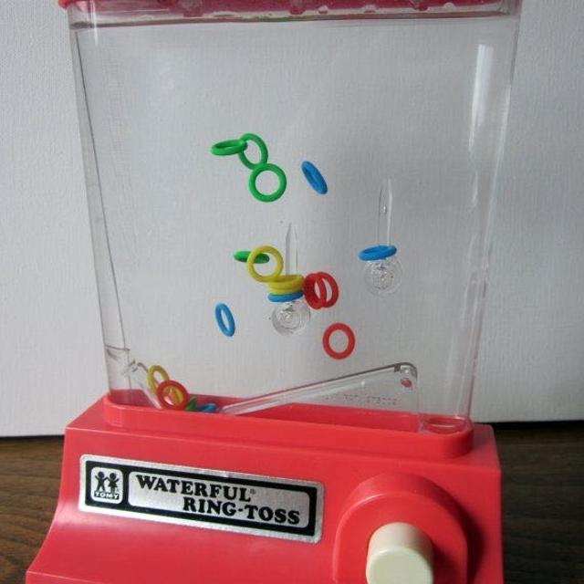 pechnidi-waterful-ring-toss-ton-90s