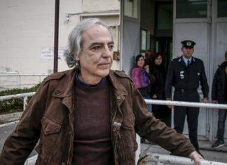 Δημήτρης Κουφοντίνας έξω από φυλακές