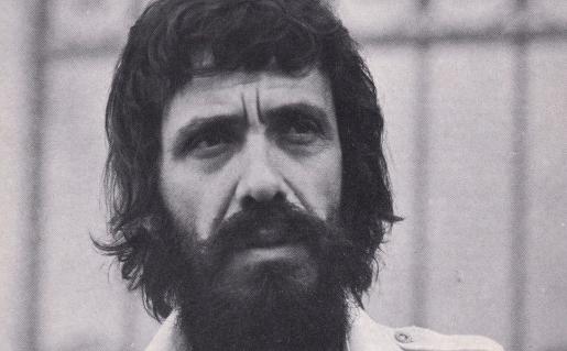 Ο τραγουδιστής Αντώνης Καλογιάννης