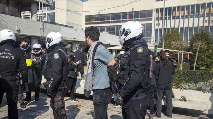 Σύλληψη φοιτητή Αριστοτέλειο
