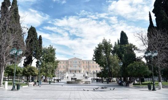 Πλατεία Συντάγματος και σκληρό lockdown
